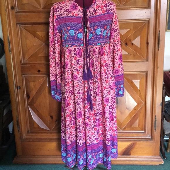 R Vivimos Dresses & Skirts - Beautiful Boho Patterned Dress NWT